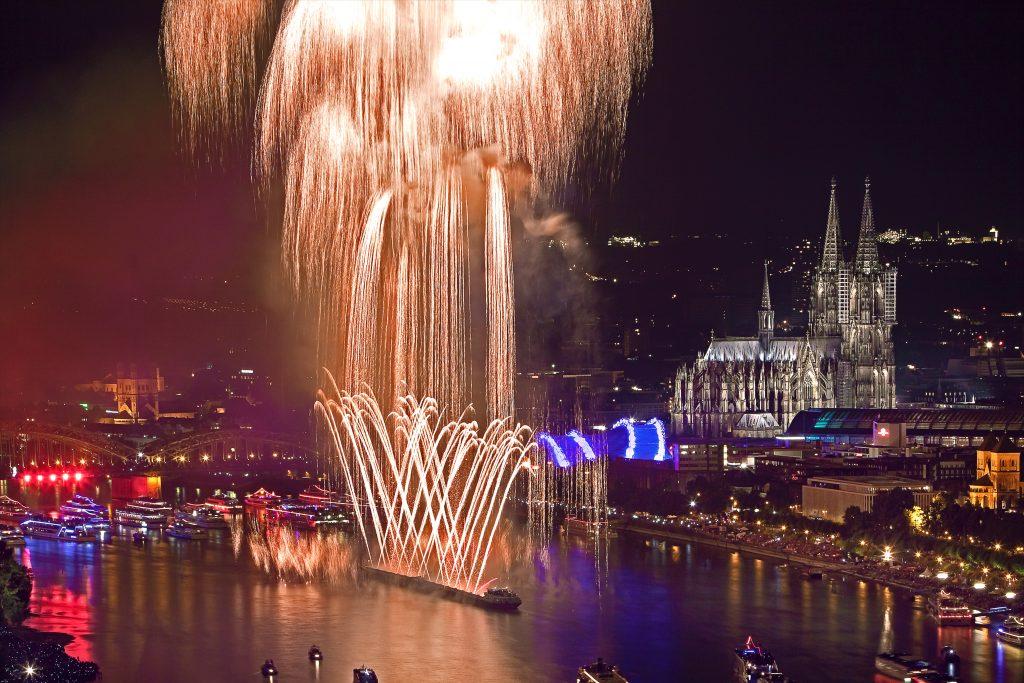 Kölner Lichter 2019 - Kölner Dom - Feuerwerk